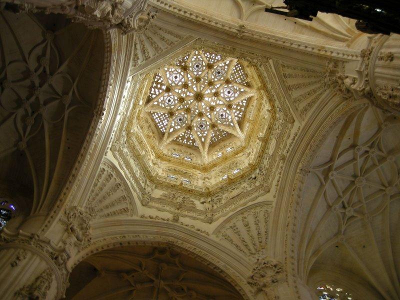 Cimborrio de la Catedral de Burgos, siglos XV y XVI. Del gótico tardío pero sin abandonar la búsqueda de la luz.