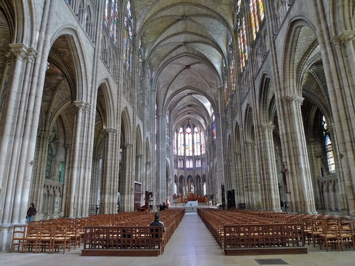 Interior de la Basílica de Saint Denis (Francia), siglo XII hasta el XIV.