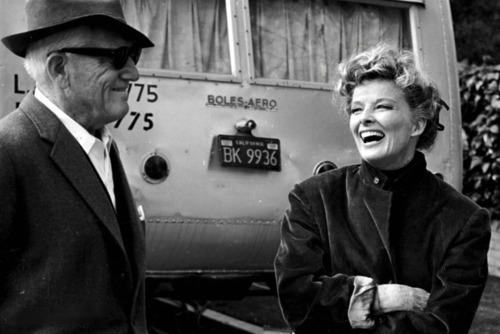 Tracy y Hepburn en un momento del rodaje de 'Adivina quién viene esta noche'