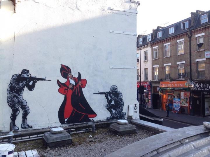Trust. iCON, War on Terror. Camden Town (Londres)