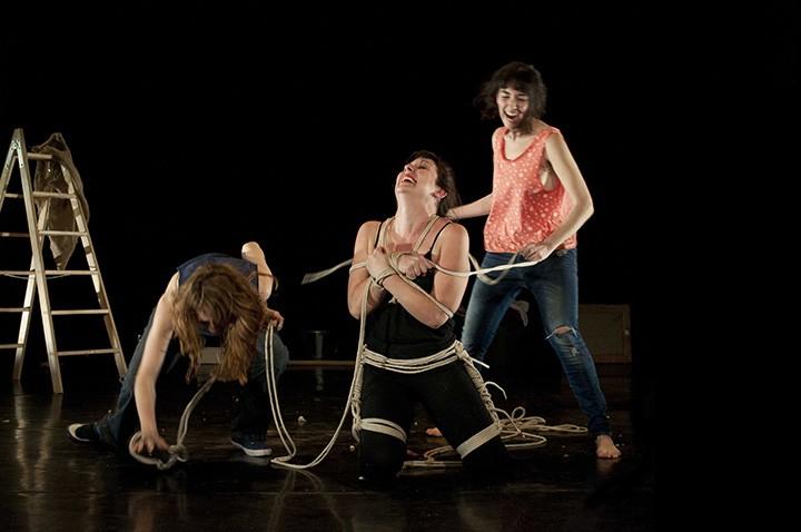 Ester Martínez, Lucía Abellán y Lucía Sáez en 'Pussy Koan'.