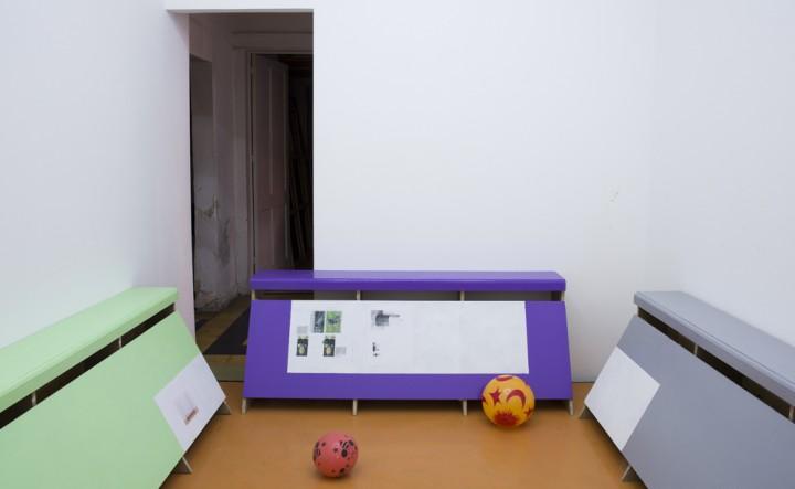 Exposición del artista alemán Manfred Pernice en Lulu, galería de arte fundada por el curador Chris Sharp y el artista Martin Soto- Climent. Fotografía: cortesía del espacio.
