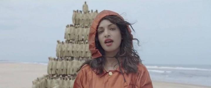 Imagen del videoclip de la canción Borders de M.I.A.