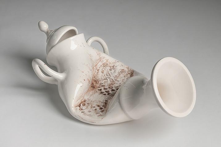 Oscuro y llamativo arte en porcelana de Laurent Craste que no deja indiferente a nadie