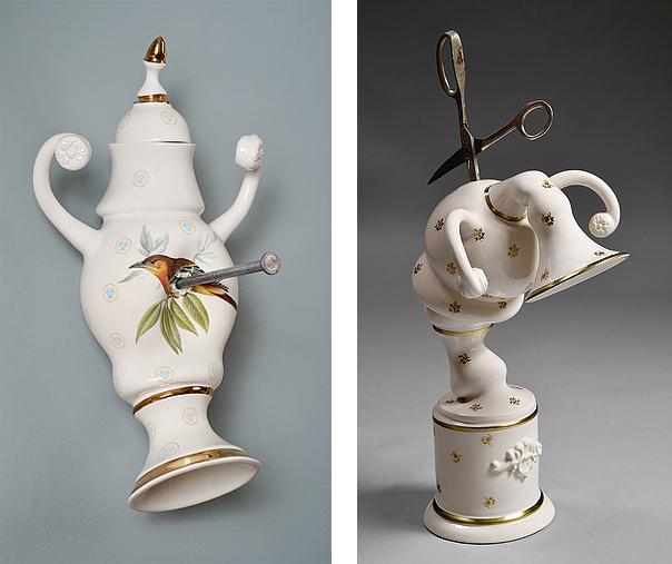 Esculturas de cerámica mostrando de forma humanizada un trato vejatorio