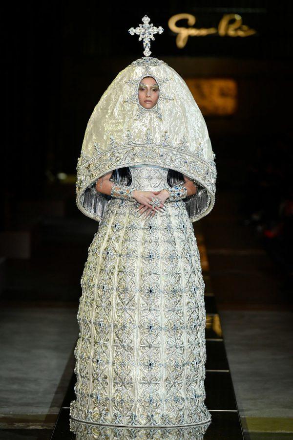 Diseño obra de la celebre diseñadora de moda Guo Pei